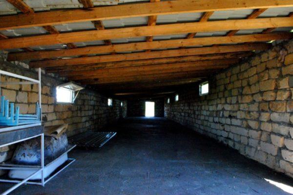 Потолок и крыша постройки