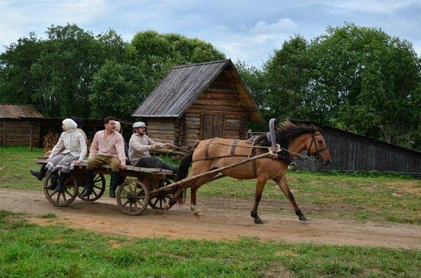 Поездка в селе на телеге