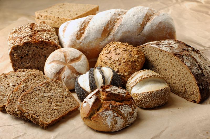 Хлебобулочные изделия с кунжутом и помадкой