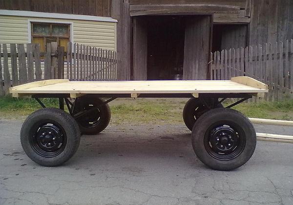 Современная телега с резиновыми колесами